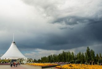 oblako-glaz-nad-kazahstanom