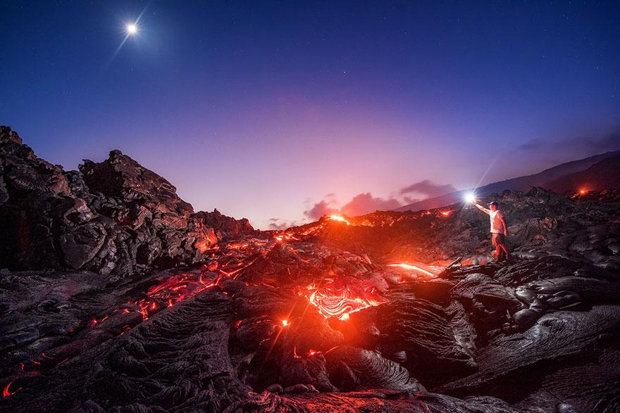 lava-meteor-i-mlechnyj-put-v-odnom-snimke-2