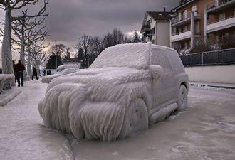 zima-prevrashhaet-avtomobili-v-proizvedeniya-iskusstva-18
