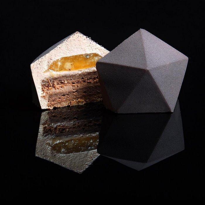 arhitekturnyj-dizajner-delaet-deserty-7