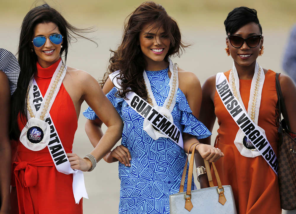 epa05718240 Miss Universe candidates Jaime-Lee Faulkner (L) from Great Britain, Virginia Argueta (C) from Guatemala, and Erika Creque (R) from British Virgin Islands pose for a photograph during a visit to the Hispanic colonial city of Vigan, Philippines, 15 January 2017. Contestants participate in several events prior to their competition for the Miss Universe title, which will take place on 30 January. More than 80 candidates will compete in the grand coronation of the 65th Miss Universe beauty pageant at the SM Mall of Asia Arena in Pasay City.  EPA/FRANCIS R. MALASIG