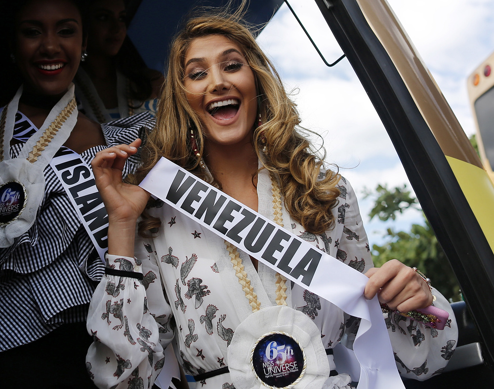 epa05718236 Miss Universe candidate Mariam Habach from Venezuela reacts during a visit to the Hispanic colonial city of Vigan, Philippines, 15 January 2017. Contestants participate in several events prior to their competition for the Miss Universe title, which will take place on 30 January. More than 80 candidates will compete in the grand coronation of the 65th Miss Universe beauty pageant at the SM Mall of Asia Arena in Pasay City.  EPA/FRANCIS R. MALASIG