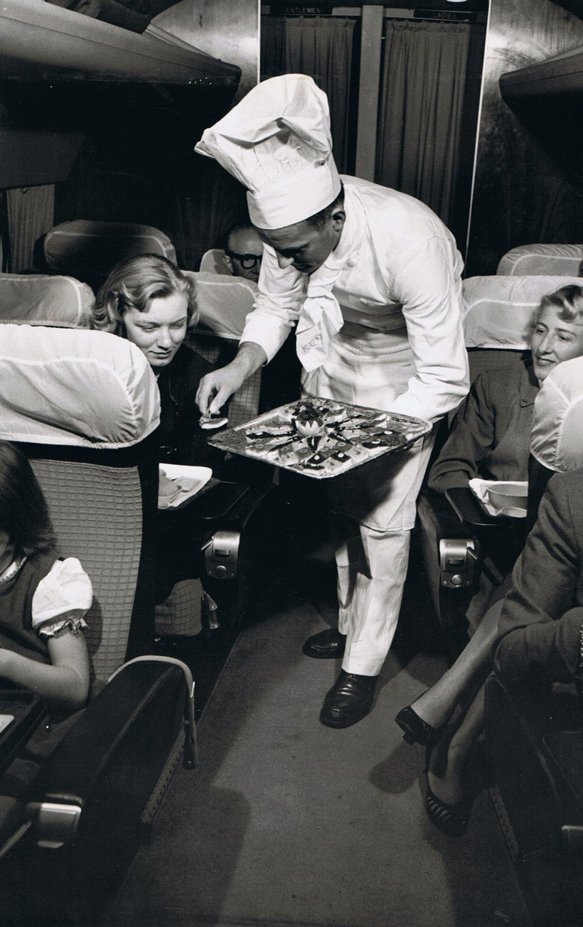 plane-food-was-made-fresh-on-klm-in-1958-and-even-hand-delivered-by-the-chef-is-that-caviar