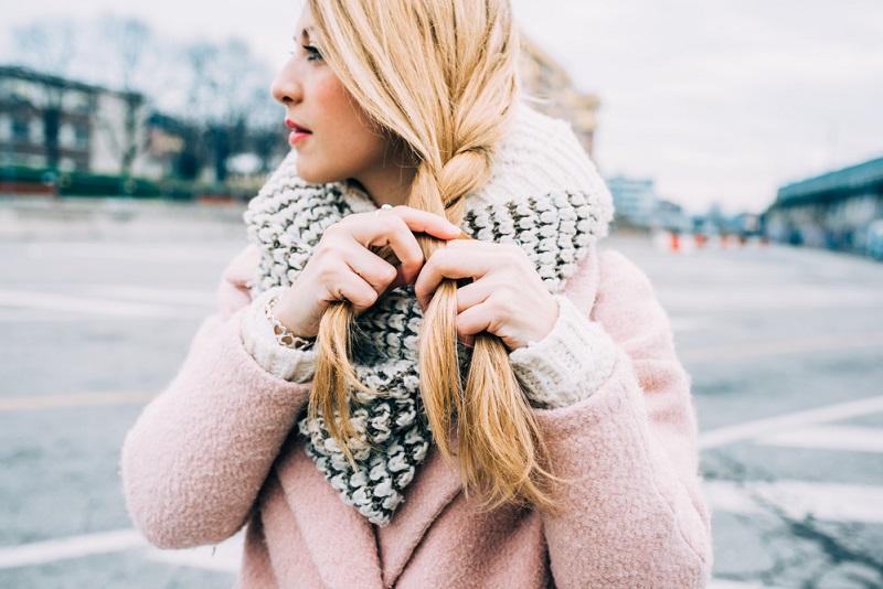 Почему зимой волосы быстро жирнеют