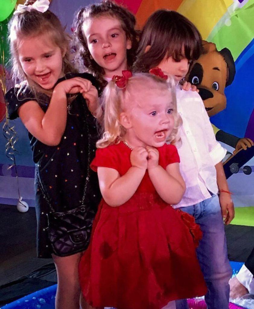 Фото детей галкина на день рождения 1 год